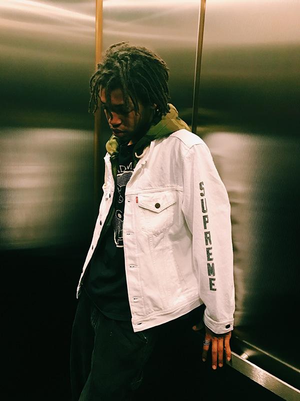 Supreme X Levi's white Denim Jacket