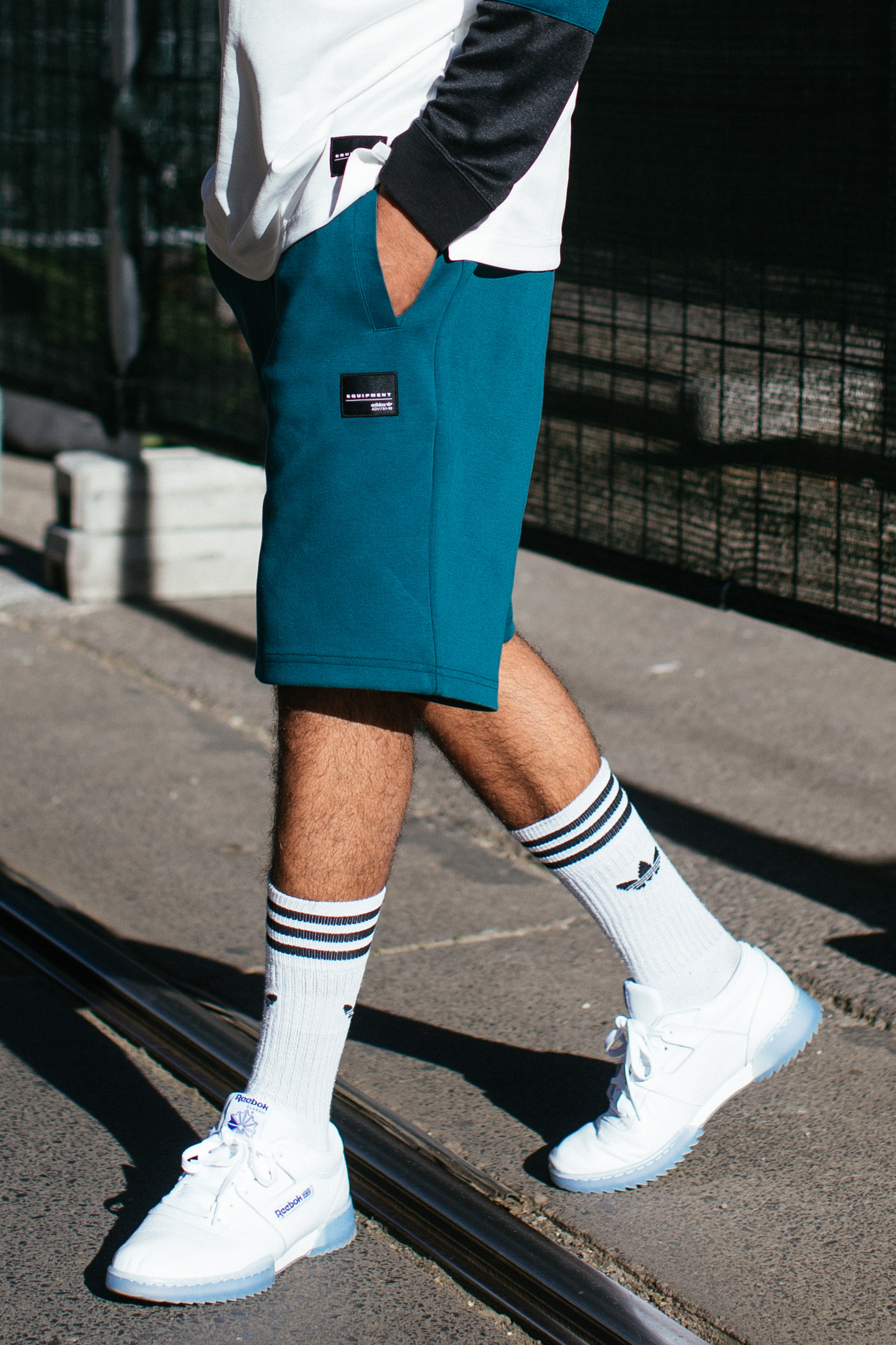 Athleisure-Trend: Jean-Claude Mpassy von New Kiss on the Blog trägt Adidas Originals und Reebok