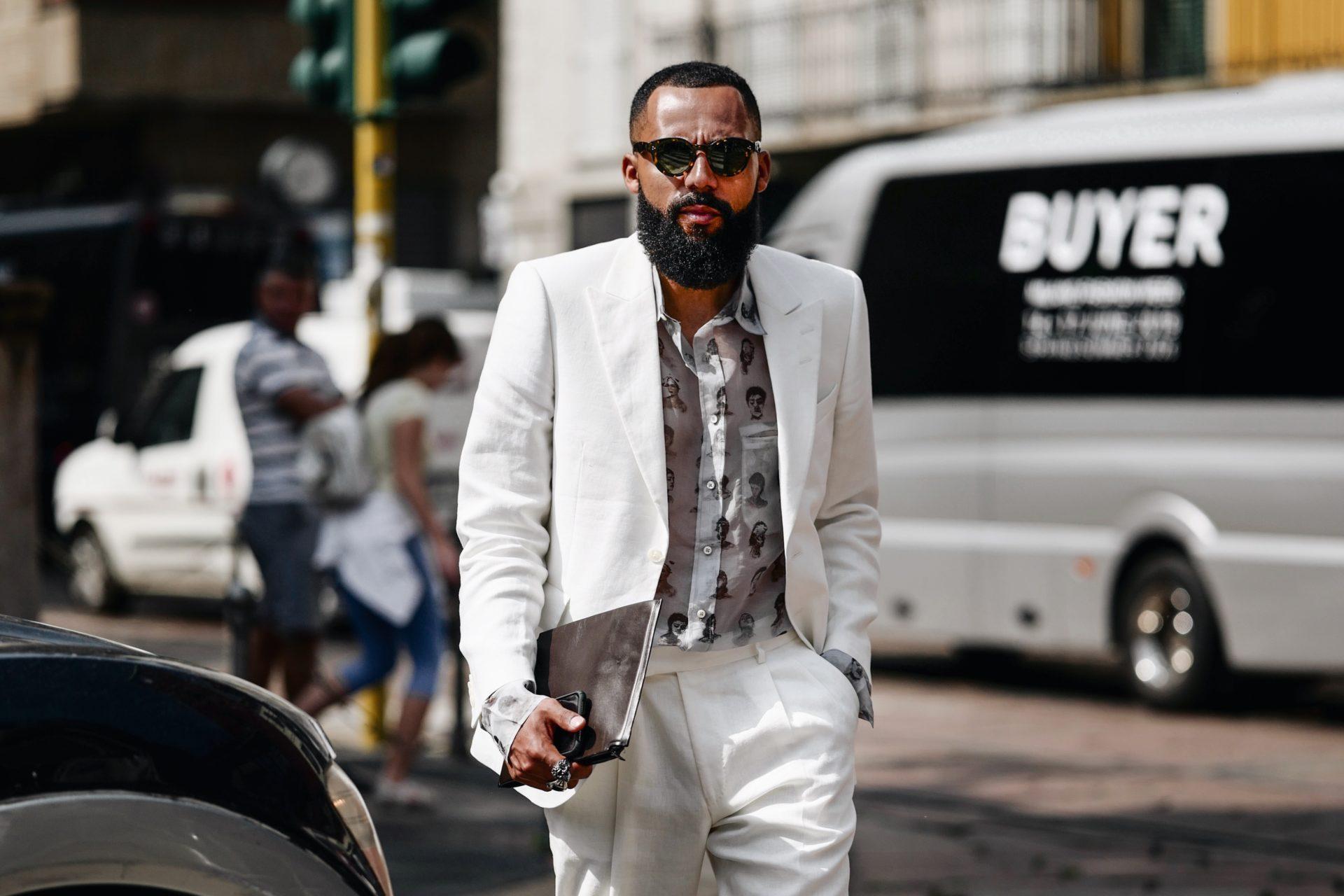 Modischer Trend für den Sommer: Weiße Anzüge